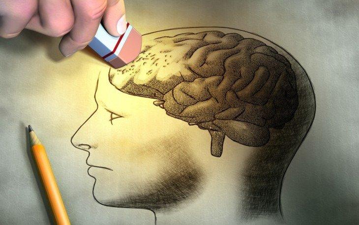психологические причины амнезии