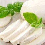 Польза, вред, калорийность сыра моцарелла на 100 грамм