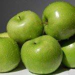 Польза, вред, калорийность яблок Семеренко на 100 грамм, в 1 шт.