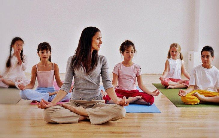 польза йоги для детей