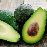 Калорийность авокадо на 100 грамм, в 1 шт., польза, вред продукта