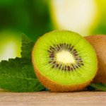 Калорийность киви на 100 грамм, в 1 шт., польза и вред фрукта