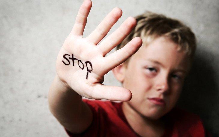 детское насилие приводит
