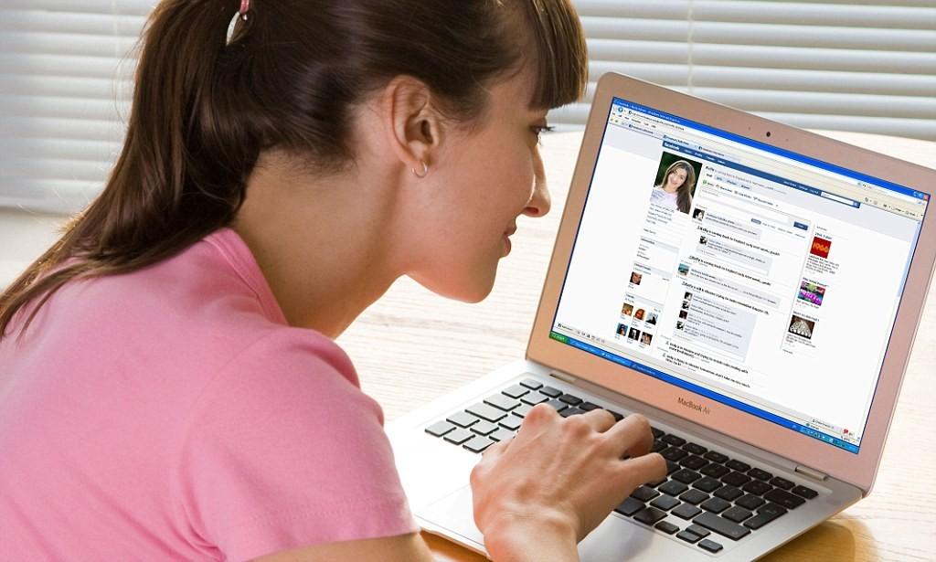Активное общение в социальных сетях лишает эмоций