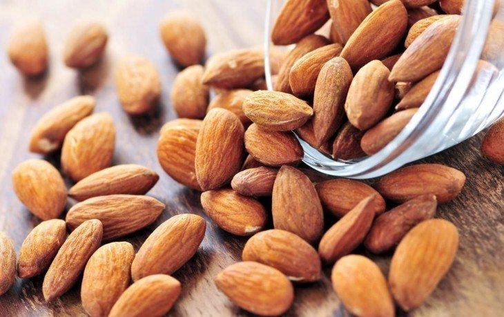 орехи миндаль калорийность