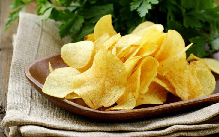 чипсы калорийность на 100 грамм