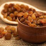 Польза, вред, калорийность изюма на 100 грамм