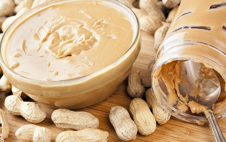 арахисовая паста калорийность на 100 грамм