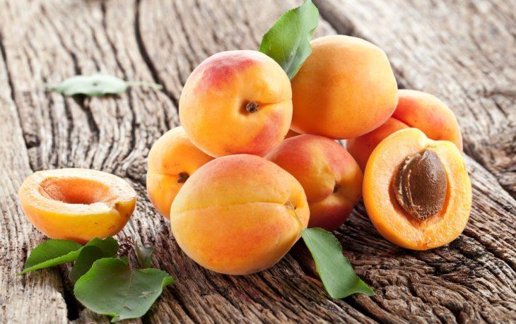 калорийность абрикосов свежих