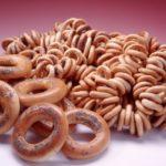 Польза, вред, калорийность баранок на 100 грамм, в 1 шт.