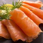 Польза и вред копченого, слабосоленого, консервированного лосося