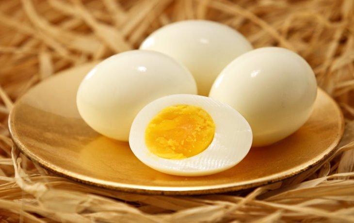 польза и вред вареных куриных яиц