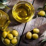 Польза и вред оливкового масла натощак для женщин, мужчин, ребенка