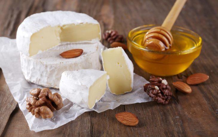 сыр с медом польза и вред