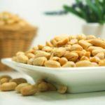 Польза и вред орешков арахиса сушеных, очищенных, неочищенных