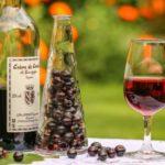 Польза и вред смородинового, малинового, вишневого вина