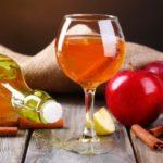Польза и вред вина черноплодного, с минеральной водой, яблочного