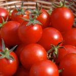 Польза и вред томатов в соке, свежих, сушеных