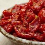 Польза и вред вяленых, тушеных, вареных томатов