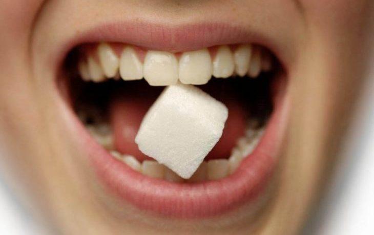 почему от сладостей болят зубы