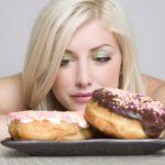 Почему все время хочется есть? 8 распространенных причин