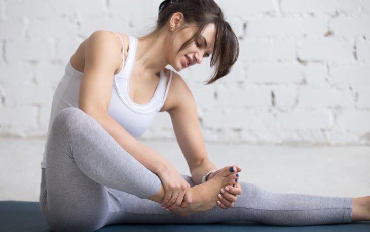 сводит мышцы почему