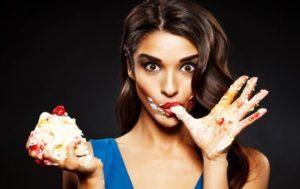Чем вредно кушать много сладкого?