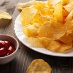 Вредно ли кушать чипсы? Подборка фактов