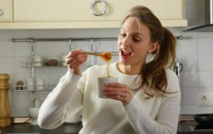 Если хочется меда: чего не хватает в организме