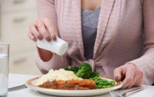 Хочется соли: чего не хватает в организме человека