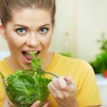Хочется зелени: чего не хватает в организме человека