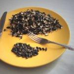 Вредно ли кушать семечки? Подборка фактов