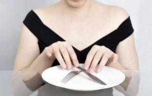Насколько полезно голодание? Все, что нужно знать!