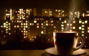 Почему вредно пить кофе на ночь? Основные причины