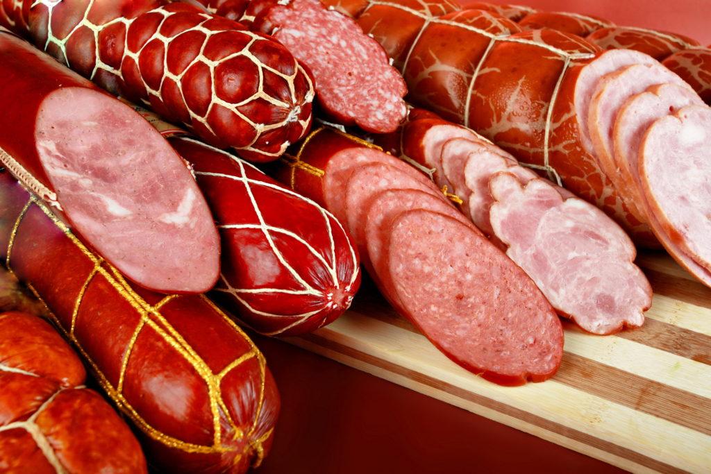 Вредно ли кушать колбасу? Подборка фактов