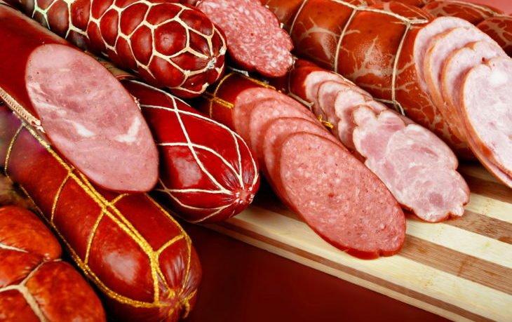 почему вредно кушать колбасу