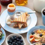 Вредно ли кушать утром? Подборка фактов