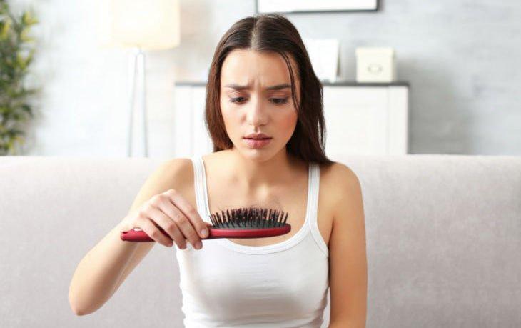 выпадают волосы почему