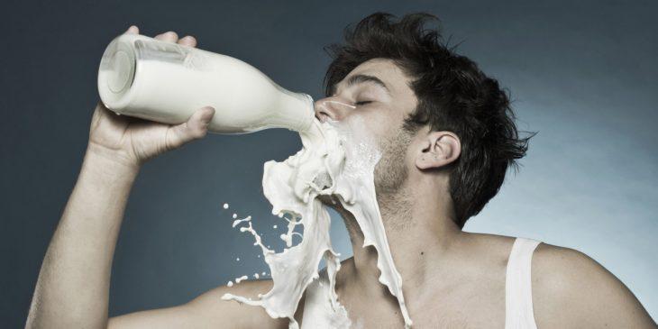 почему вредно пить много молока