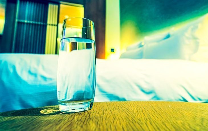 вредно ли пить на ночь