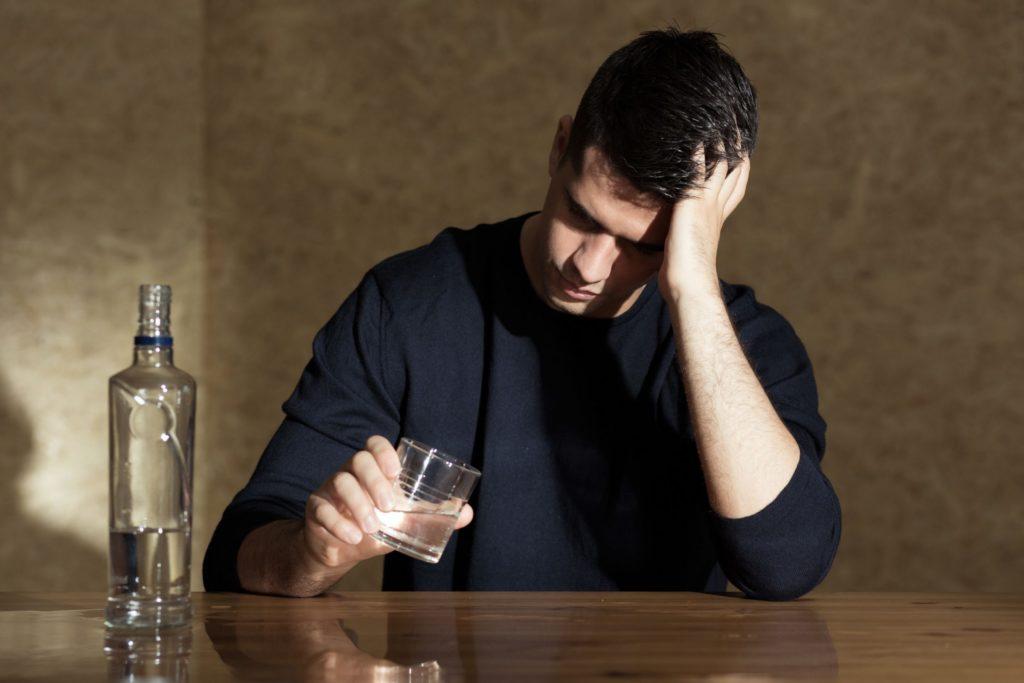 Почему вредно пить водку? Основные причины