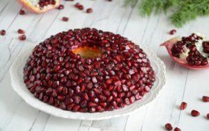 Салат «Гранатовый браслет»: простой рецепт, польза и вред