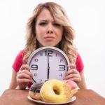 Почему вредно кушать после 6? Основные причины