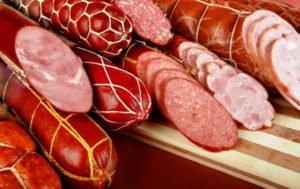 Почему вредно для здоровья кушать колбасу