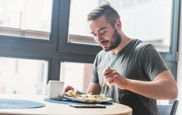 что полезно кушать на завтрак мужчине
