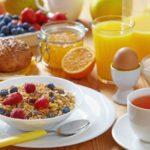 Какие продукты полезно есть на завтрак