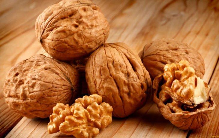 для чего полезно есть грецкие орехи