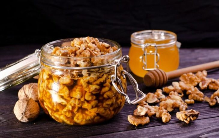 полезно ли кушать орехи с медом