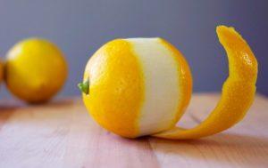 Полезно ли есть лимон с кожурой