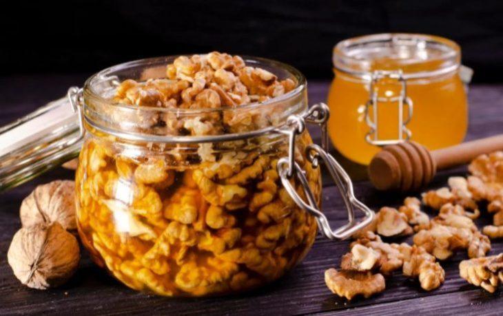полезно ли кушать грецкие орехи с медом
